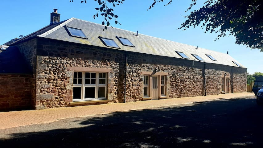 Hayloft House-Super fast wifi, self contained cottage