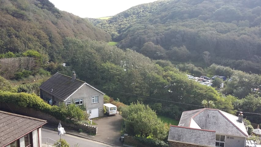 Cornish Home, off road parking - Boscastle