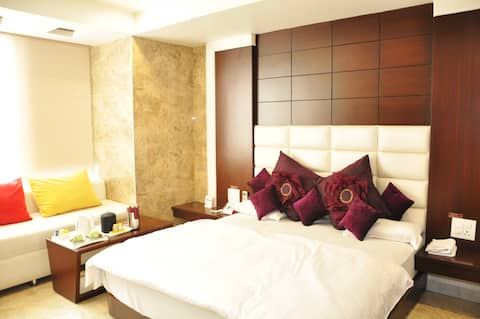 Vijan Palace Super Premium Private Room, Jabalpur