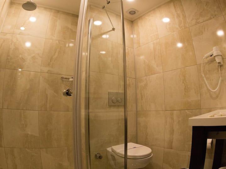 Economy - Peronti Hotel
