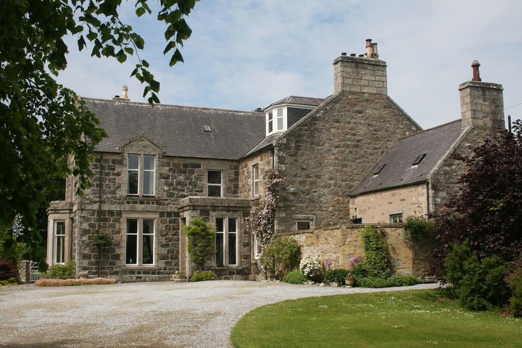 Large country house near keith peaceful setting houses for Big houses in the country