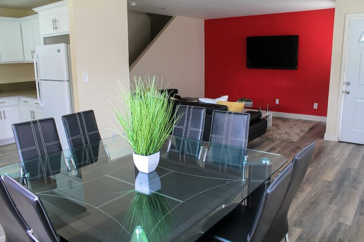 BRAND NEW 2 STORY 5 BEDROOMS CLOSE TO DOWNTOWN LA