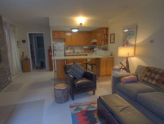 Cozy Slopeside Sugarbush Condo