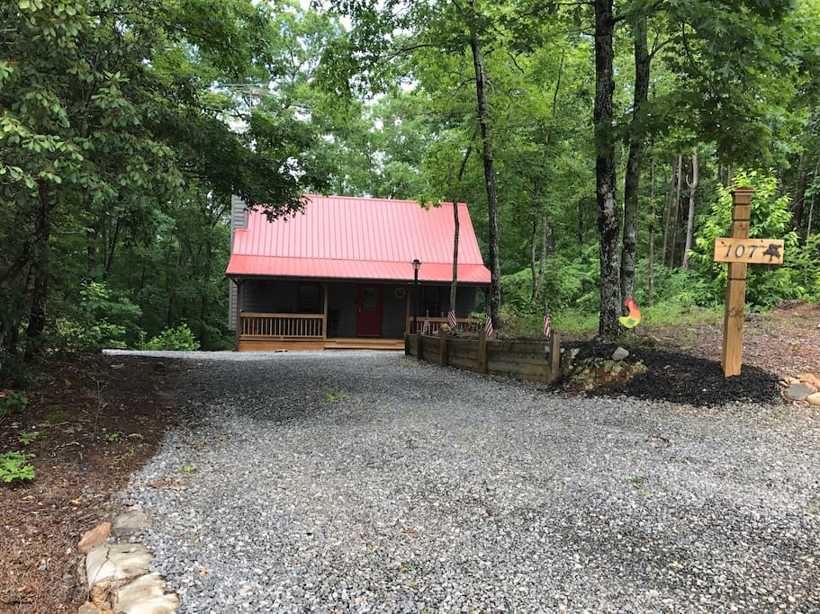 cozy cabin near helen cabins for rent in cleveland