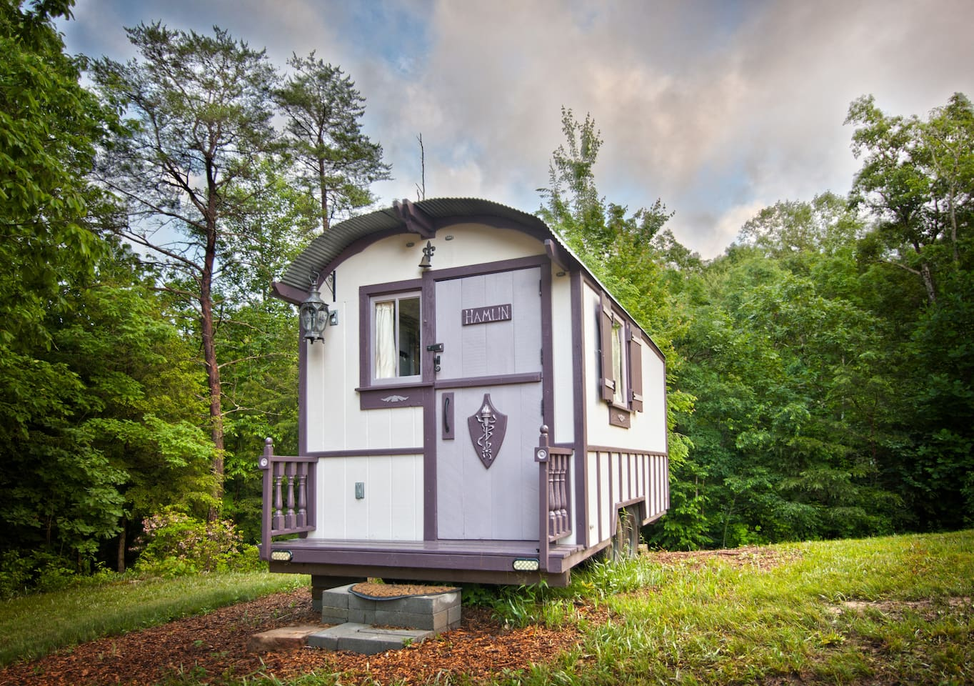 Hamlin is Celtic for Home.  You'll feel right at home glamping in this gorgeous tiny home.