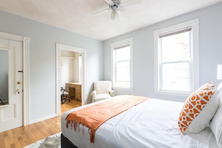 Spacious 1 Bedroom Near MIT - Cambridge - Apartment