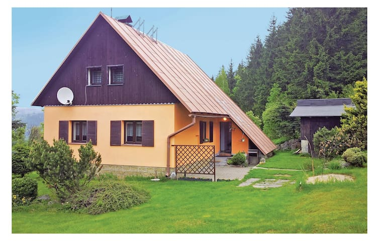 Holiday cottage with 2 bedrooms on 85 m² in Dolni Maxov