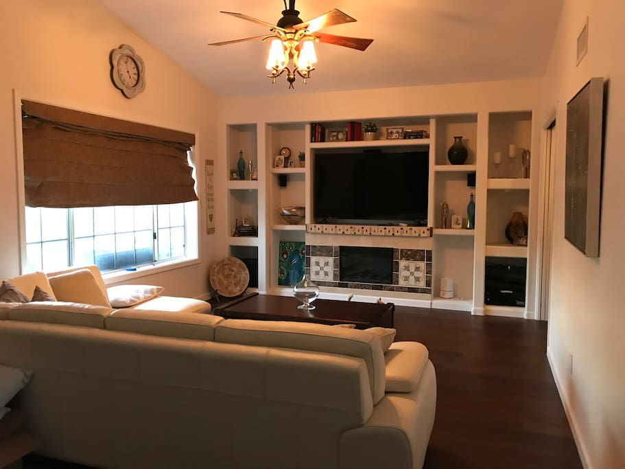 Living/ movie room with high def, full cable package and surround sound.