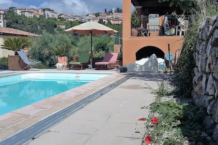villa, piscine, terrain de boules - Levens