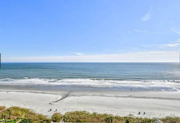 Big Family Fun In This Ocean Front Condo!