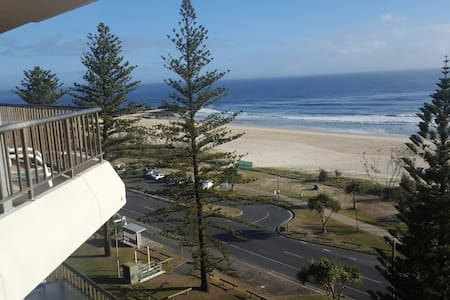 Beachfront unit for Summer! - Currumbin