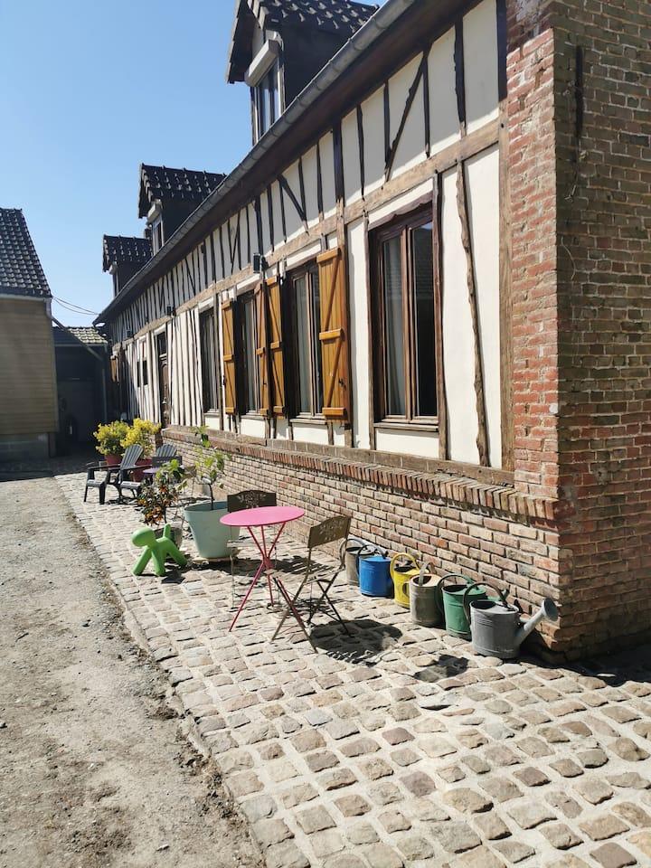 Chambre Banana Blue au calme a deux pas d'Amiens
