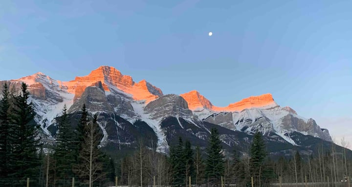 Springboard to Explore the Canadian Rockies