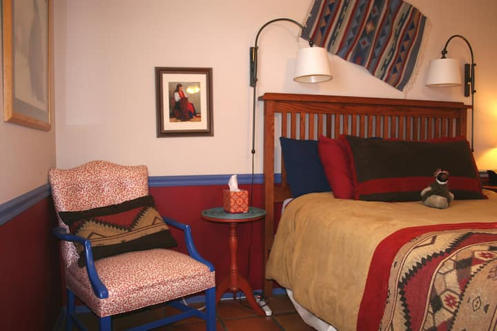 Chocolate Turtle Bed & Breakfast, Quail Room