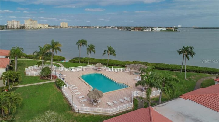 St Pete Beach 2 Bed / 2 Bath Condo