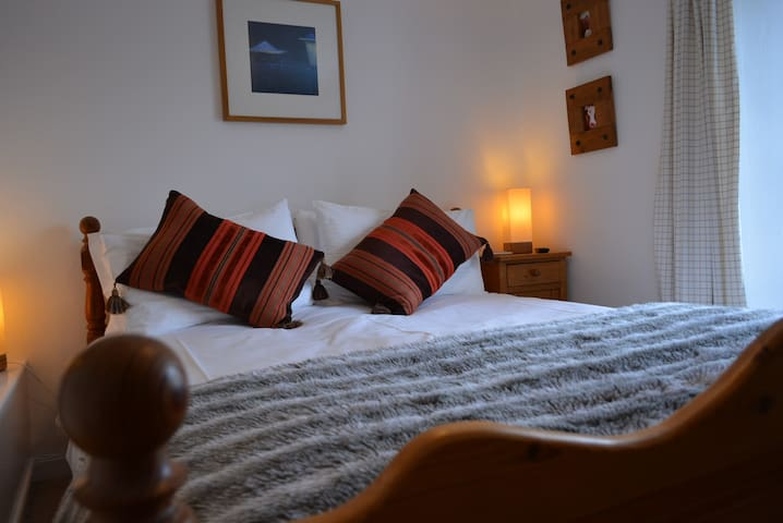 Lavender Cottage - Sleeps 3 -Totnes - Totnes - House
