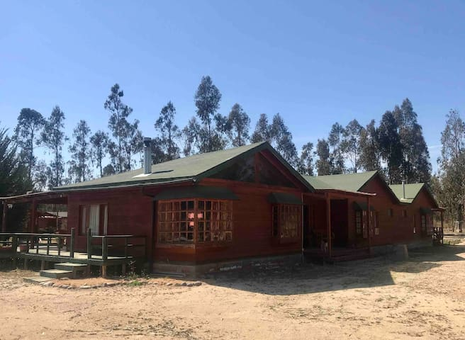 Casa en Parcela para 10, Piscina y Quincho.