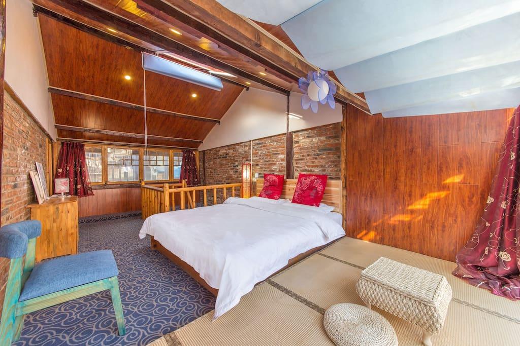 二楼第一间卧室