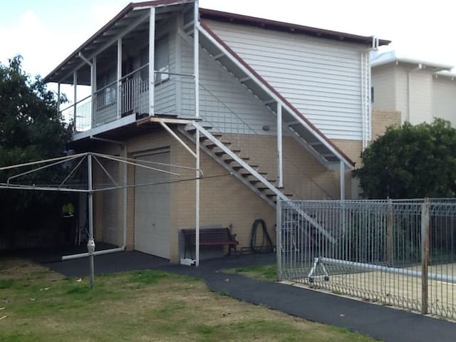A lovely self contained unit in east Victoria park - East Victoria Park - Apartamento