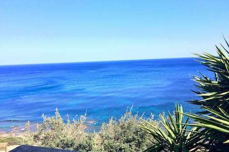 Splendida villetta a 100 m dal mare - Porto corallo