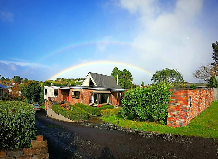Cozy home in the best New Plymouth suburb