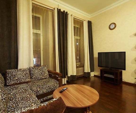 Apartment 10 Pax Near Nevsky Prospect - Zhelnino - Appartement