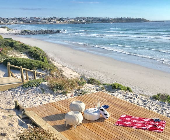 Cape historic cottage on the beach - Yzerfontein - House