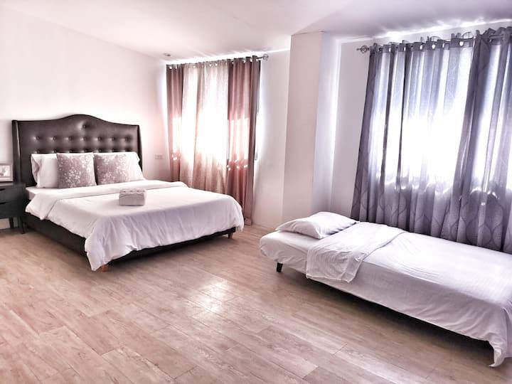 New Kong's Hotel Queen Bedroom #Rm420