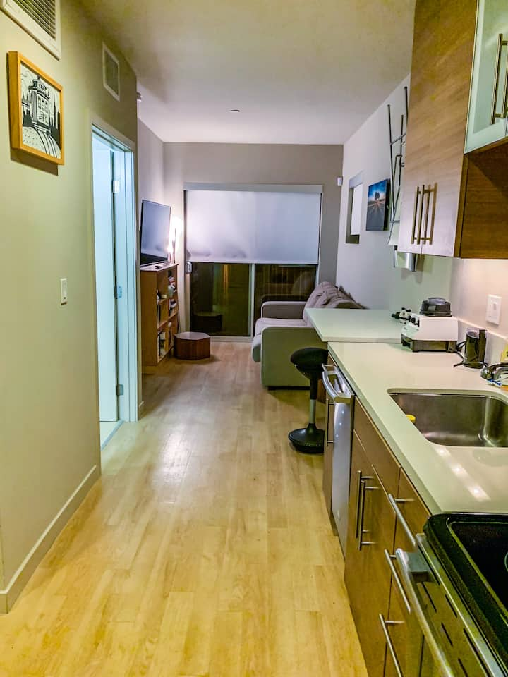 Cozy One Bedroom Near Santa Monica Downtown