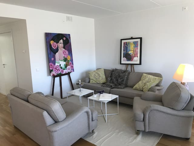 Top modern spacious apartment.
