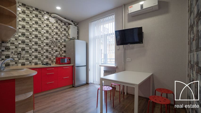 apartment on Pobedy ave ( City center )