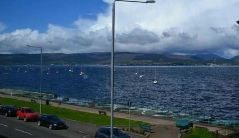 Beautiful Gourock Seaside Apartment - Gourock - Apartment