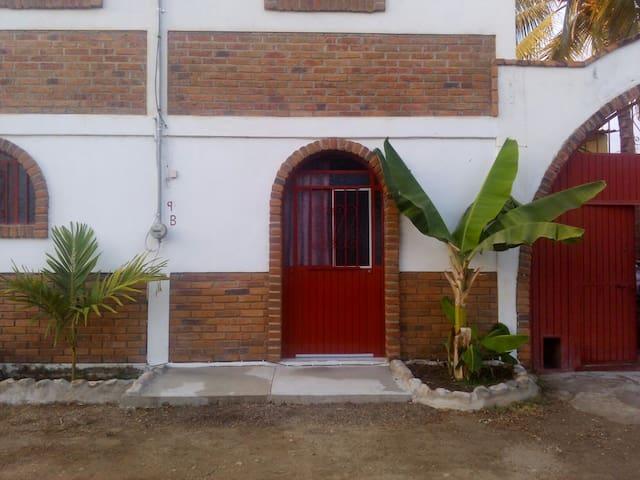 Noel studio #2 - Higuera Blanca