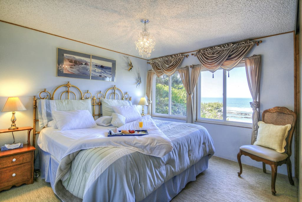 """""""The views of the ocean right from your deck/living room/bedroom window will take your breath away immediately, and then you'll smile every morning waking up to seals on the rocks!"""" Chrissy & Lou"""