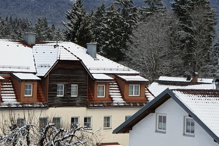Regenhütte mit Aussicht, 100 qm Wohnung