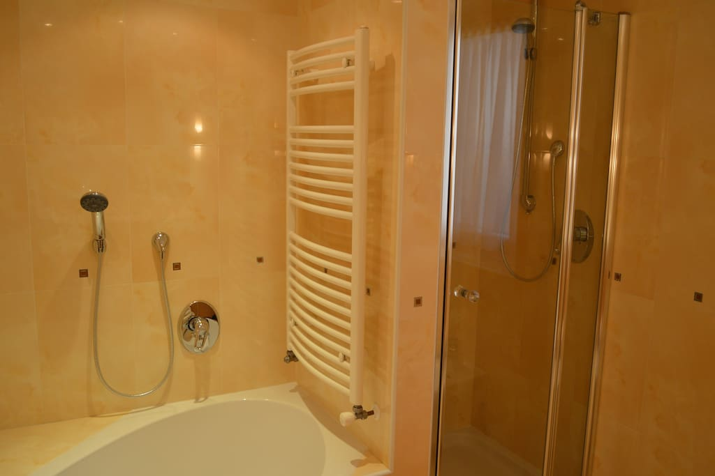 vasca da bagno al primo piano