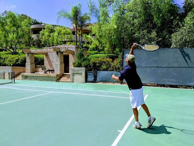 Luxury Estate Tennis Pickleball Pool nr Golf Beach