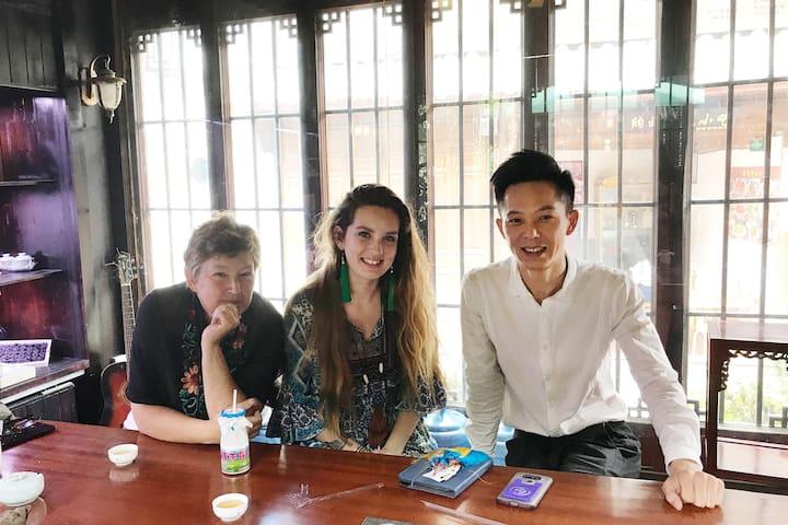 美国籍复旦大学外教和女儿一起,计划两年时间内游遍中国