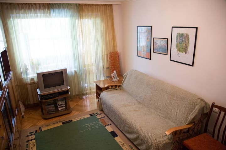 Quiet room in sleeping quarters - Chernivtsi - Appartement