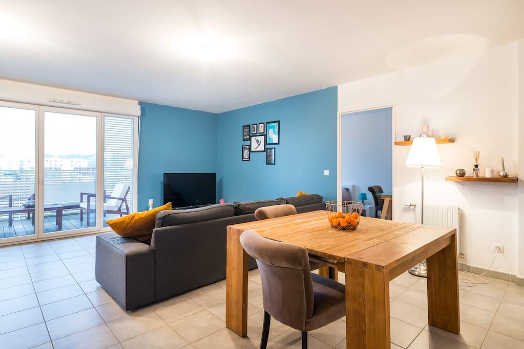 Jolie chambre priv e 6km de lyon appartements louer for Chambre 8m2 amenagee