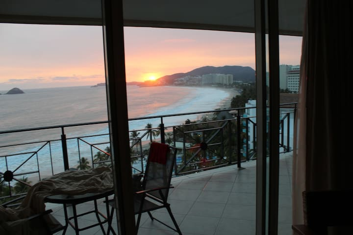 Bayview Grand Residencial Ixtapa Condo,great views