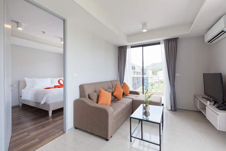 F2T Comfy & Modern Two bedroom @ 6th Avenue Surin