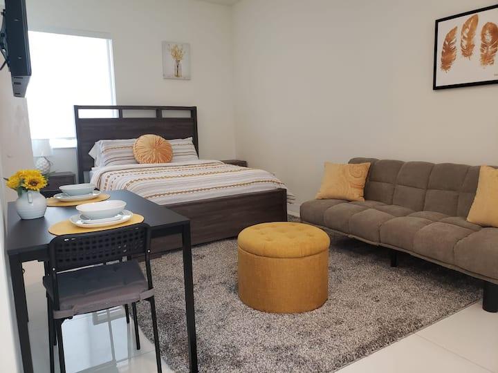 Beautiful Studio Apartment in Miami!