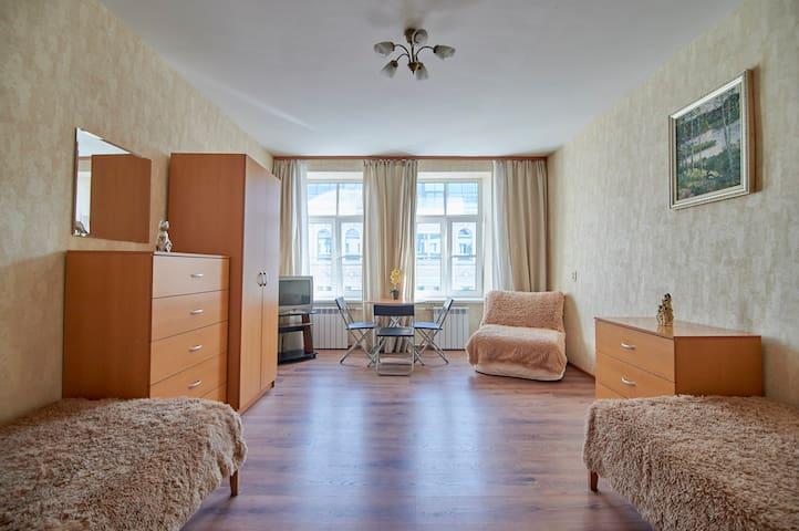 Большая комната в центре города!