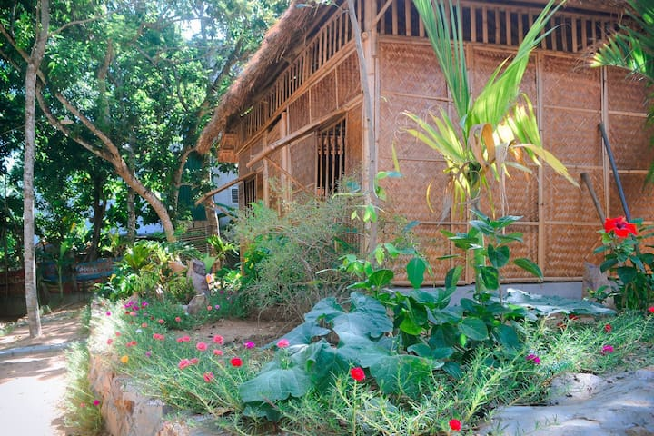 Hue Lotus Homestay - Great experience - Cottage 3