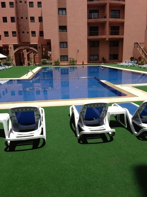 Très grand appartement avec vue sur piscine/wifi