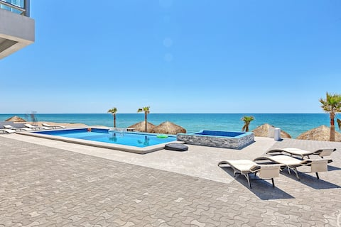 Luxury Six Palms Villas #5. Playa Encanto