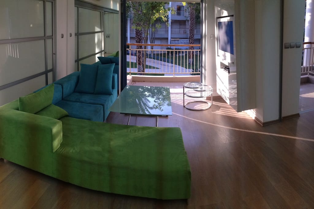 Living Room - panoramic
