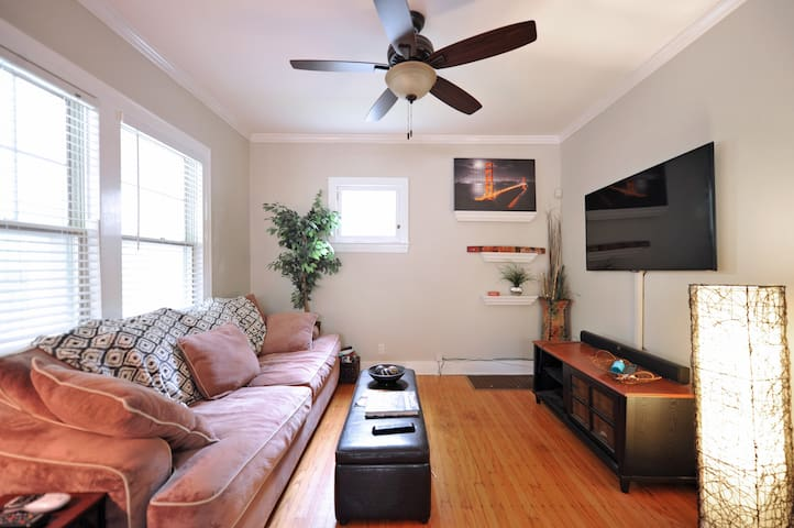 Location!! Charming home. Welcome Derby guests!