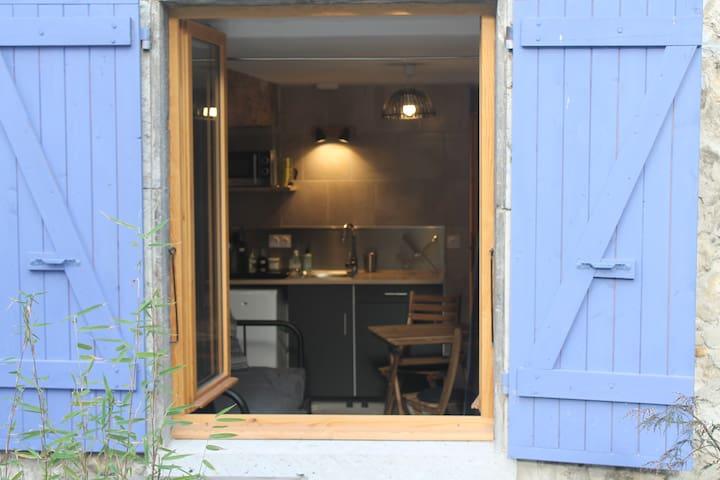 Studio neuf 2 pers. au cœur d'un village vivant